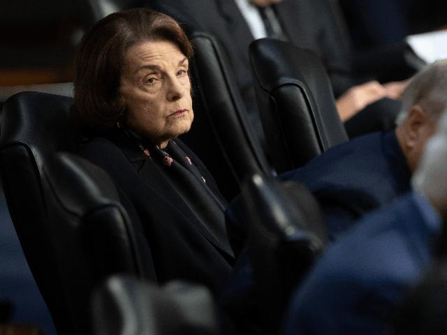Democrat Dianne Feinstein Praises China